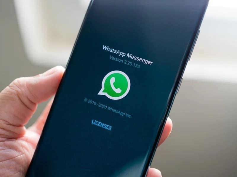 Ilustrasi Versi WhatsApp